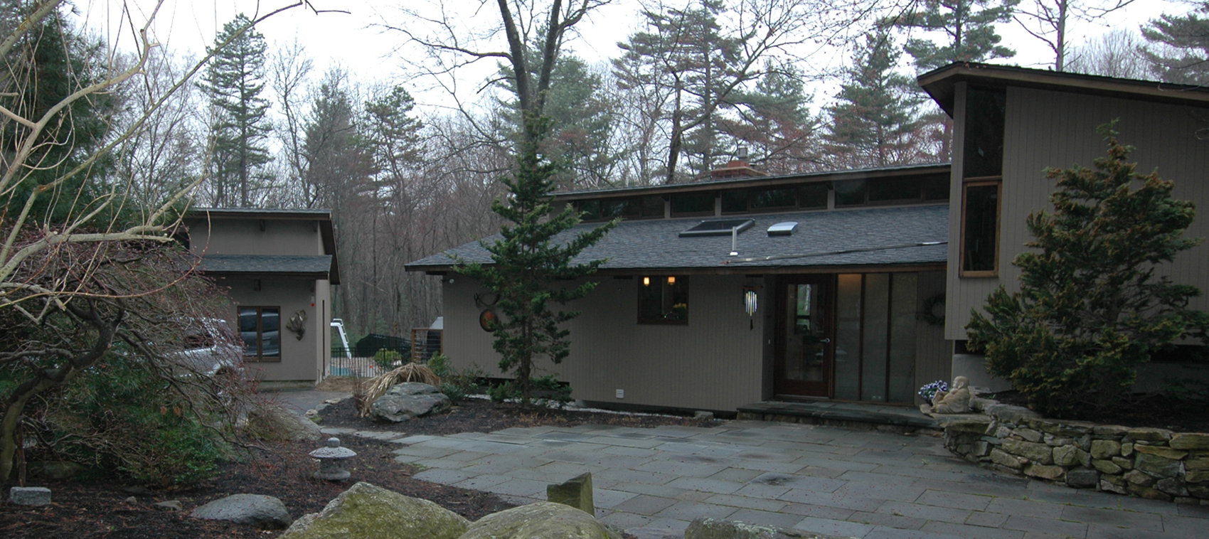 9897 Deck House Before